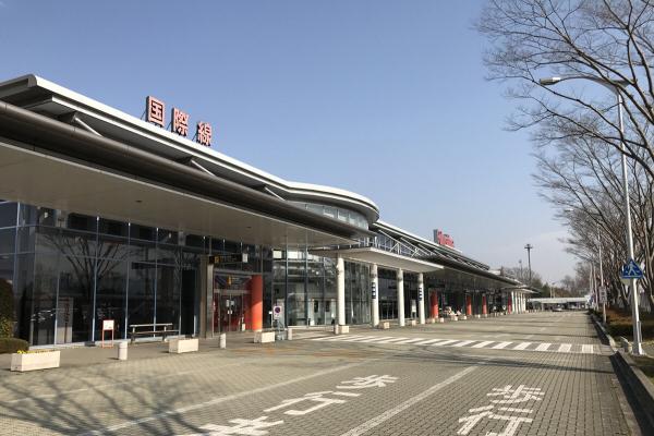후쿠시마공항_전세기.jpg
