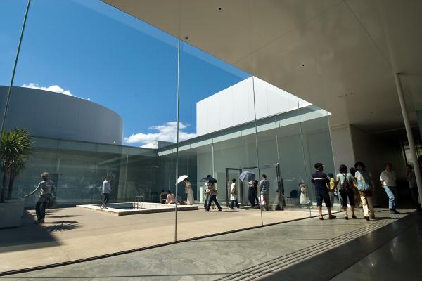 가나자와21세기미술관.jpg